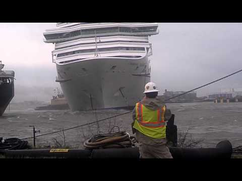 Carnival Triumph Cruise Ship Breaks Free