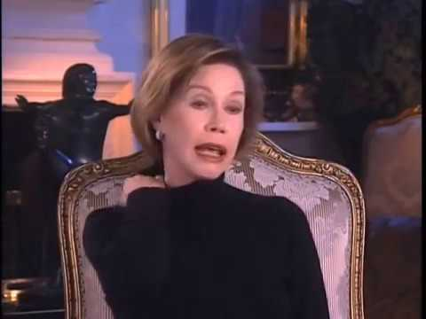 """Mary Tyler Moore on her favorite """"DIck Van Dyke Show"""" moments - EMMYTVLEGENDS.ORG"""