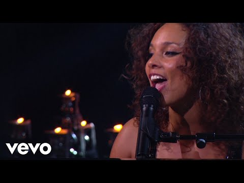Alicia Keys  Empire State Of Mind Part II Broken Down Piano & I: AOL Sessions +1