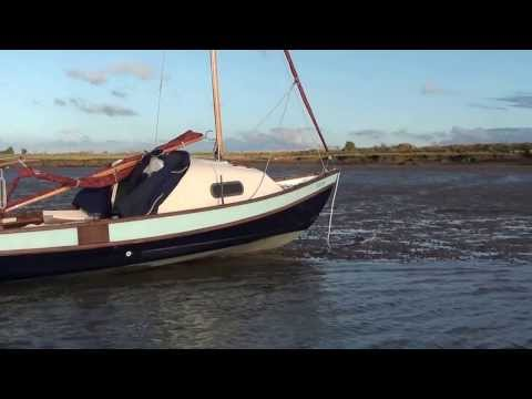 Drascombe Coaster Evelyn 1 - Waits for the tide
