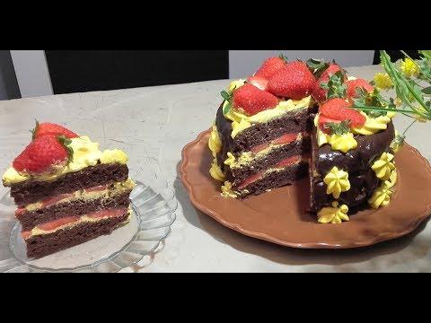 🍰-gâteau-d'anniversaire-au-chocolat-et-aux-fraises
