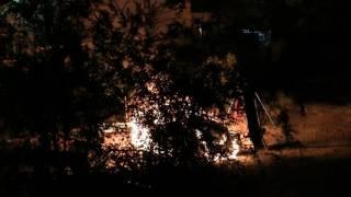 Кара Балта Кыргызстан  Ночь с 5 на 6 июля 2017 г  Пожар горит машина во дворе