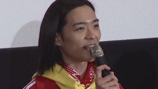 映画「俺たち賞金稼ぎ団」の公開初日舞台あいさつが5月10日、東京都内で...