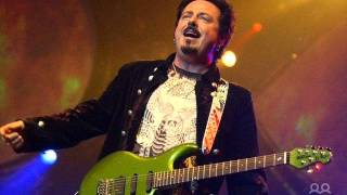 *♫* STEVE LUKATHER & TOM CROEL *♫* - PARISIENNE  WALKWAYS (Tribute to Gary Moore) LYRICS