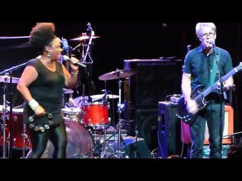 The BellRays - Whole Lotta Love (Led Zippelin) / Black Lightning