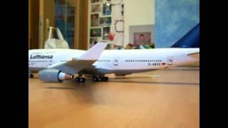 Video ABRAH AVION REVELL BOEING 747 400 Revell LED download MP3, 3GP, MP4, WEBM, AVI, FLV Agustus 2018