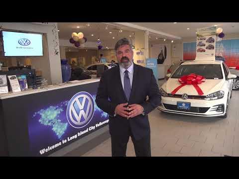 Christmas Holiday Greetings from LIC VW George Papantoniou