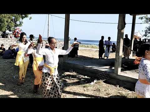 Prosesi Ngaben atau Kremasi atau bakar mayat di Bali