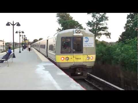 MTA LIRR: 1984-86 Budd M-3 LIRR Train at St.Albans (Babylon Branch) (5/6)