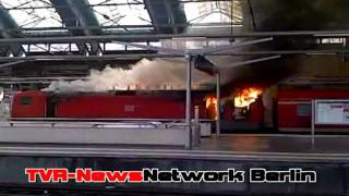 brennende e lok im berliner ostbahnhof
