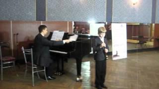 Бах Менуэт и Гайдн Серенада Борисов Тима 8 лет