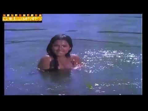 Rekha hot & wet scenes