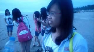 Những cô gái của gia đính, và bờ biển Đà Nẵng một sáng hơi bị sớm