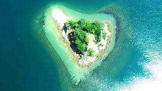 無人島に大きな愛、漂流したら結ばれる? ドローンで見えたハート形