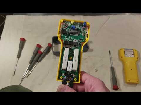 Inside a Harbor Freight Cen-Tech Digital Battery Analyzer