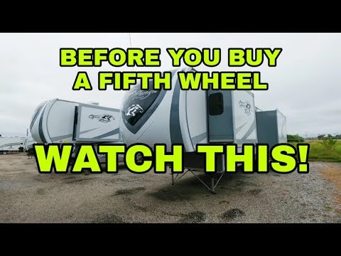 fifth-wheel-construction-and-layout-differences!-watch-this-first!
