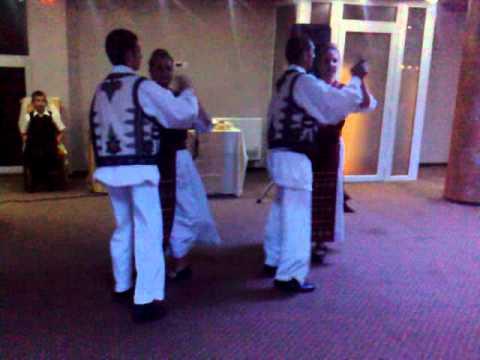 ansamblul mosniteana la nunta(dans de pusta)