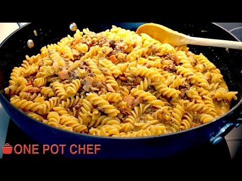 One Pot Cheesy Beef and Bacon Pasta | One Pot Chef
