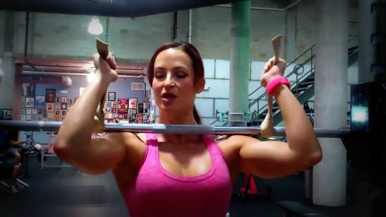 Front Squats Three Ways To Hold The Bar Youtube