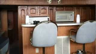 65 Lakeview Houseboat 1999