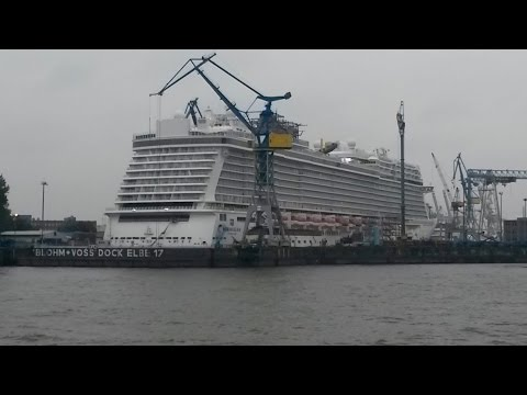 NORWEGIAN ESCAPE in dry dock Elbe 17 Blohm + Voss