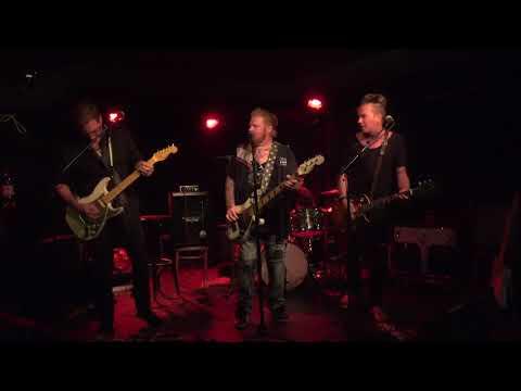 Ben Granfelt w/ The Rubbish Brothers-Status Quo medley