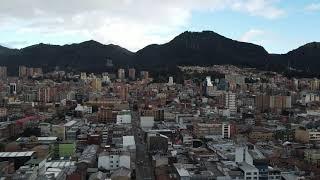 MAVIC AIR 2 MI PRIMER VUELO - BOGOTÁ VISTO DESDE GALERIAS