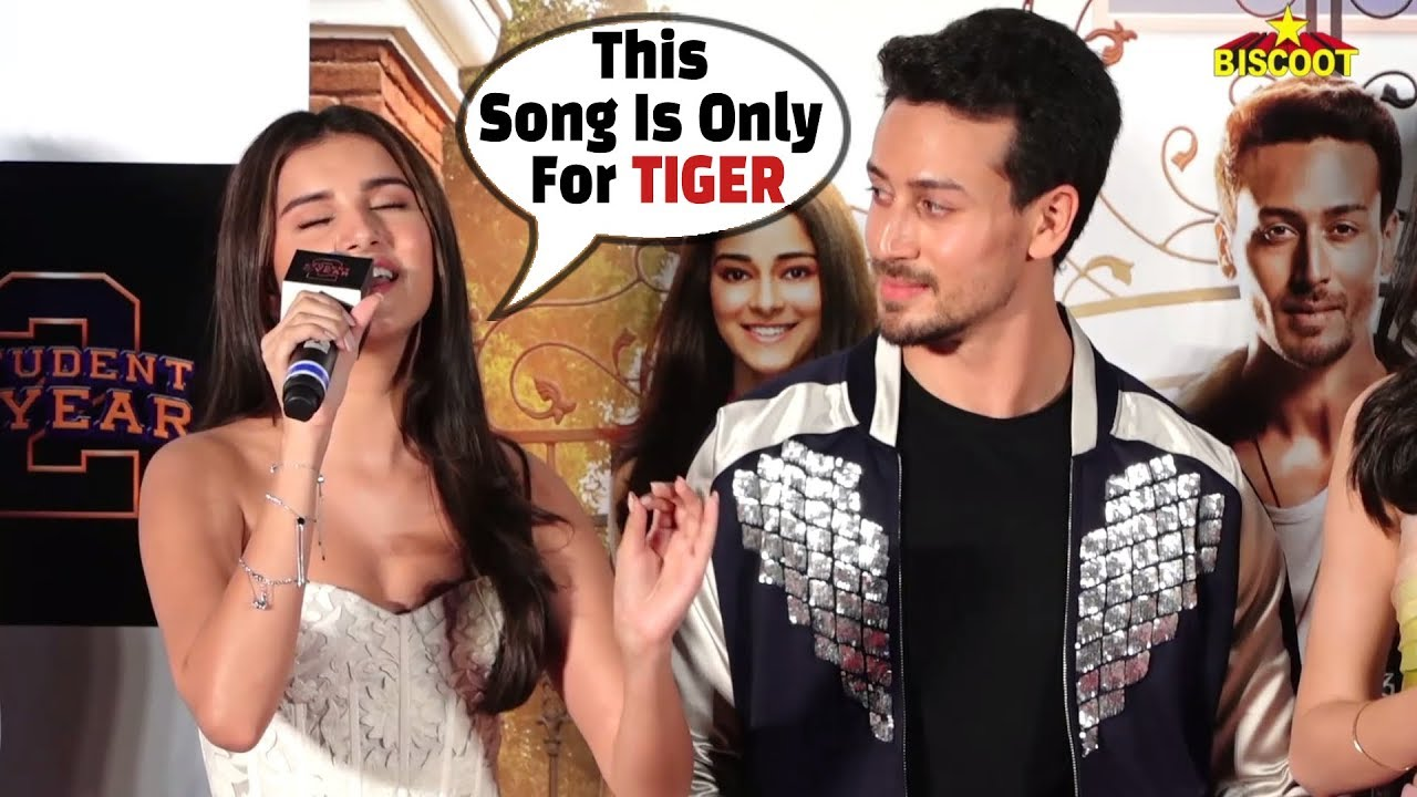Download Tara Sutaria SINGS Lag Ja Gale LIVE For Tiger Shroff at Student Of The Year 2 trailer launch