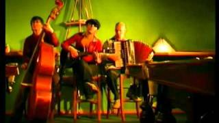 Leningrad — Up in the Air / Ленинград — Мне бы в небо