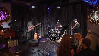 """John Oates & Guthrie Trapp with The Chester Thompson Trio """"Jamming"""""""