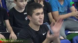 В Грозном проходит международный матч по боксу среди студентов