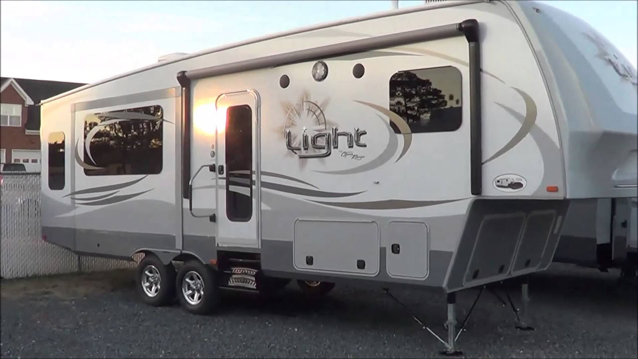 2014 Open Range Light 297RLS Fifth Wheel Good Looking