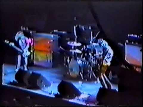 Kyuss - 01 - Thee Ol' Boozeroony (Live Helsinki 1995)