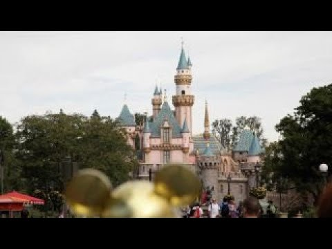 Disney's parks business has momentum: CFRA research analyst