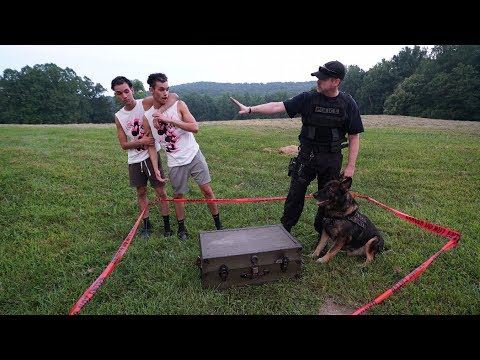 POLICE OFFICER OPENS MYSTERY TREASURE BOX!