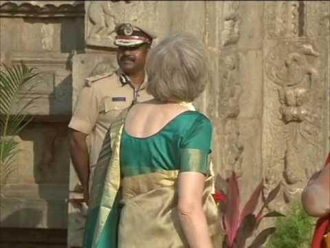 Saree-clad Britain PM visits famous southern India temple