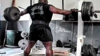 Steve Goggins 905 Squat for a double
