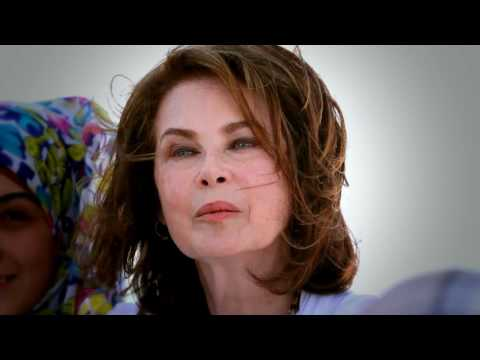 Dayle Haddon Founder of WomenOne works with Syrian Refugees