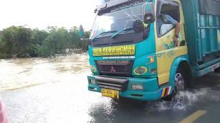 Viral Jalan Lintas Timur Lumpuh Total [Gara-gara Banjir]
