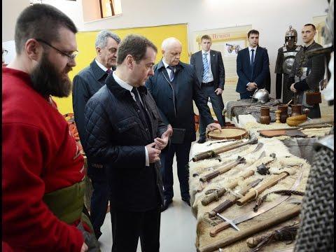 Председатель Правительства РФ Дмитрий Медведев посетил Воскресенский собор и Омскую крепость