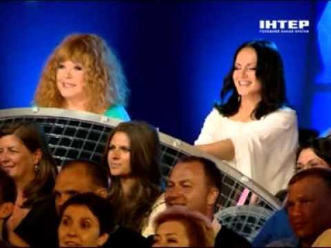 Смотреть Потап и Настя - Не пара Пугачева vs Ротару - Crimea Music Fest - 2011 онлайн
