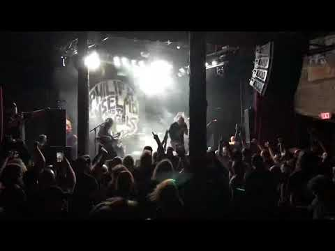 Phil Anselmo and the Illegals live.