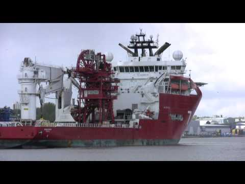 Offshore Vessel Skandi Acergy arrives on the River Tyne 18th May 2015