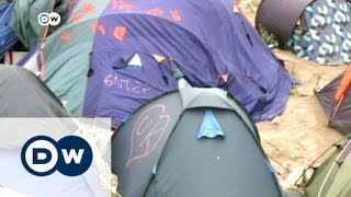 Calais refugee camp tense after Brexit vote | DW News