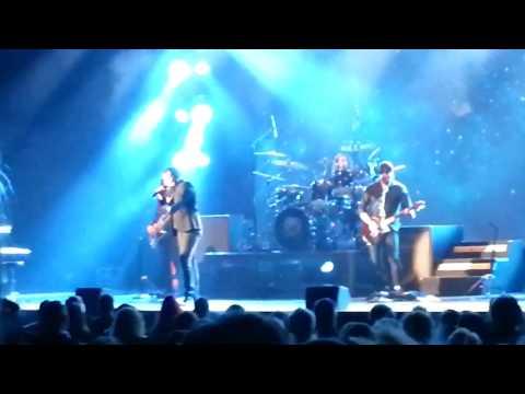 Queen Extravaganza - Prophets Song (Hammersmith)