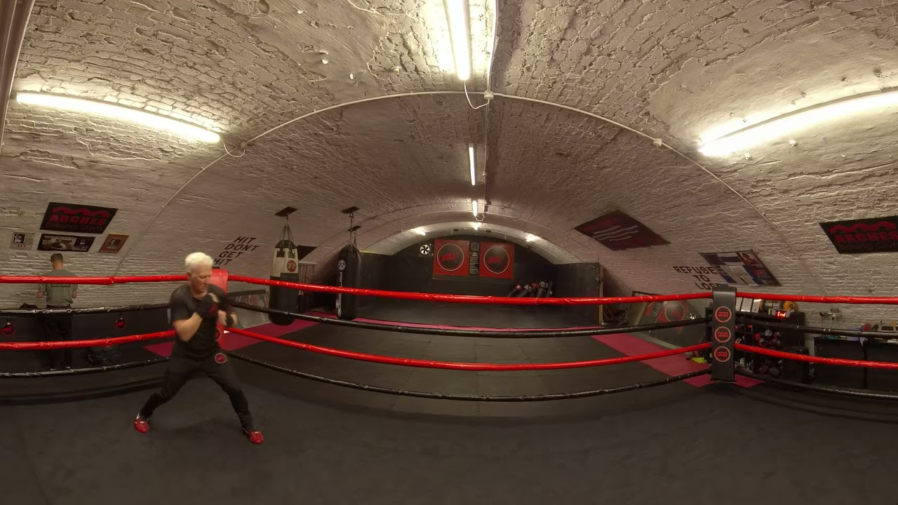 What does it feel like to get Hit?! 3D 360° 8K VR Boxing Experience