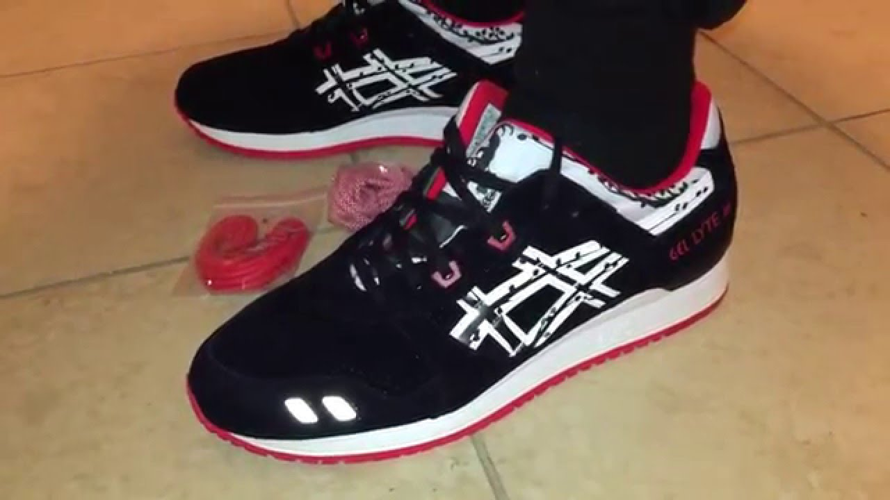 Watch ASICS X Titolo Papercut' Gel Lyte III Trainers video