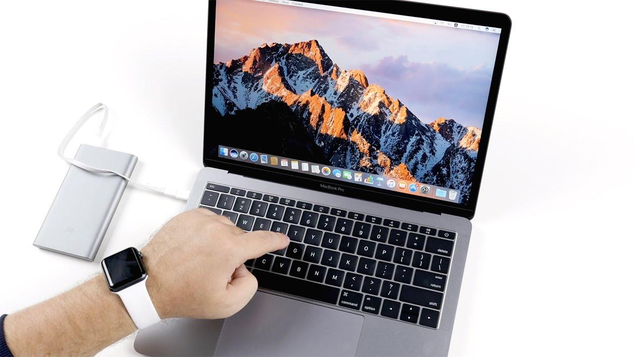 Распаковка MacBook Pro 2016 - где порты?
