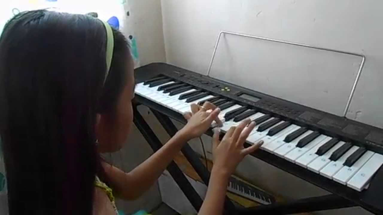 Rojans do a deer a female deer piano youtube hexwebz Image collections