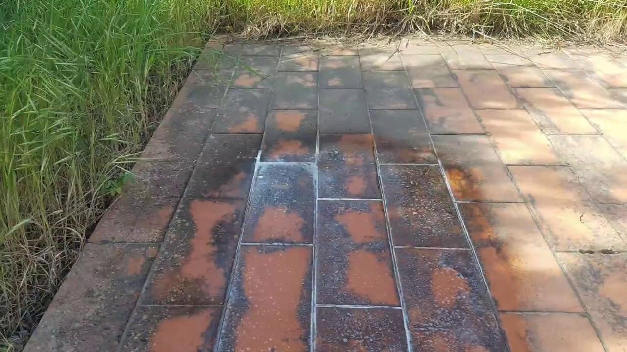 Togliere Le Piastrelle Dal Pavimento rimozione di muffa da pavimento esterno con l'uso di muffaut geal